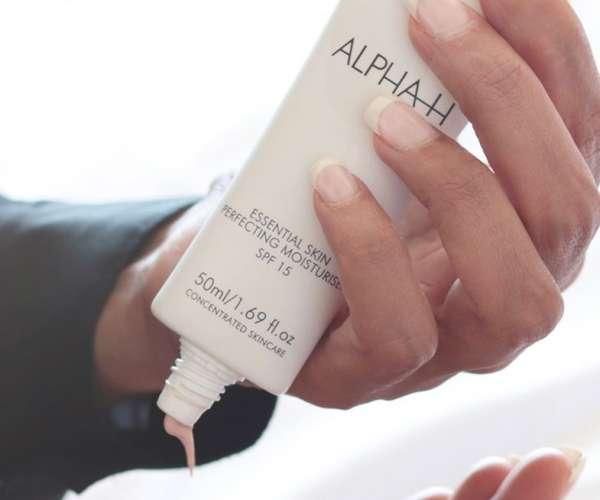 Essential Skin Perfecting Moisturiser SPF 15 | Alpha-H Cosmeceuticals