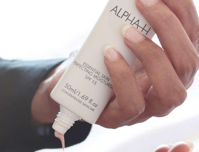 Essential Skin Perfecting Moisturiser SPF 15   Alpha-H Cosmeceuticals